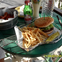George Town, Grand Cayman - Cheesburger in Paradise