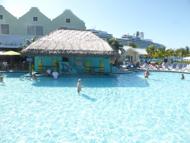 The pool at Grand Turk - Koningsdam