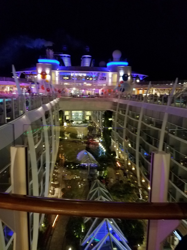 Deck 15 overview - Oasis of the Seas