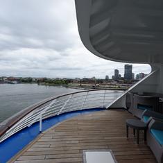 suite 1080 balcony
