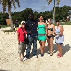 Great Stirrup Cay (Cruiseline Private Island), Bahamas - Does anybody know this tour guides name other than John would like to be able todoes anybody know this tour guides name other than John would like to be able to send him a couple of pictures
