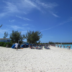 HALF MOON CAY: MOST WHITE SAND AND CLEAREST WATER EVER!