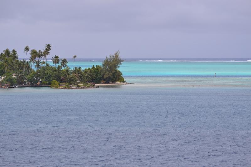 Pulling into Bora Bora