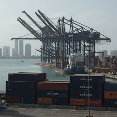 Cartagena port is industrial, nothing to do in immediate area.