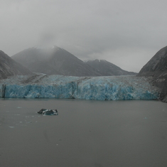 Cruise Tracy Arm Fjord, Alaska - The Glacier at the end of the Fjord