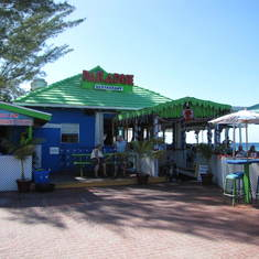 George Town, Grand Cayman - Paradise Rest. great place for snorkeling