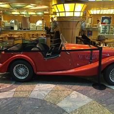 Old car at Cafe Promenade