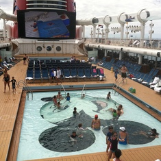 Family pools, Disney Dream