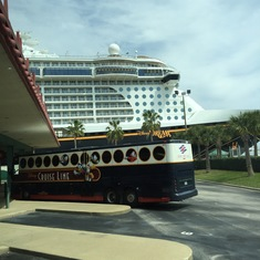 Motorcoach outside ship