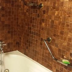 Ocean Suite jacuzzi tub