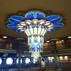 Chandelier in main foyer, Disney Dream