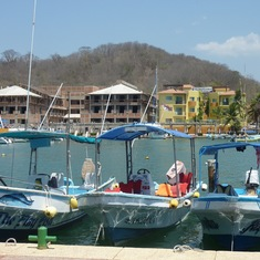 The inner harbour, Santa Cruz (Huatulco)