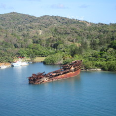 Mahogany Bay, Roatan, Bay Islands, Honduras - Oh Ship !