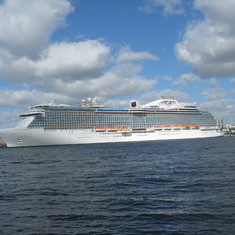 Ft. Lauderdale (Port Everglades), Florida - Our ship, saying goodbye @ Port Everglades