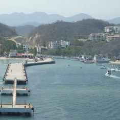 Leaving Santa Cruz (Huatulco)