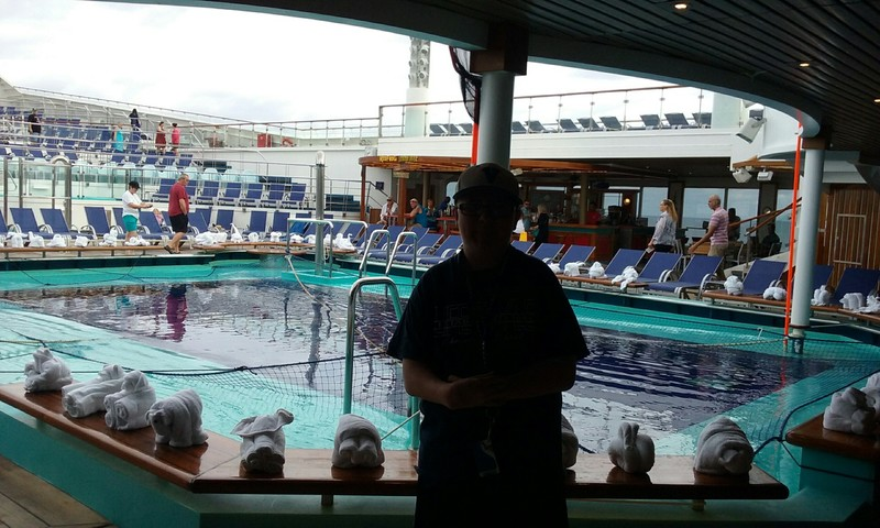 Carnival Valor, Pools, Pool