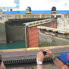 Gates closing, Gatun Locks