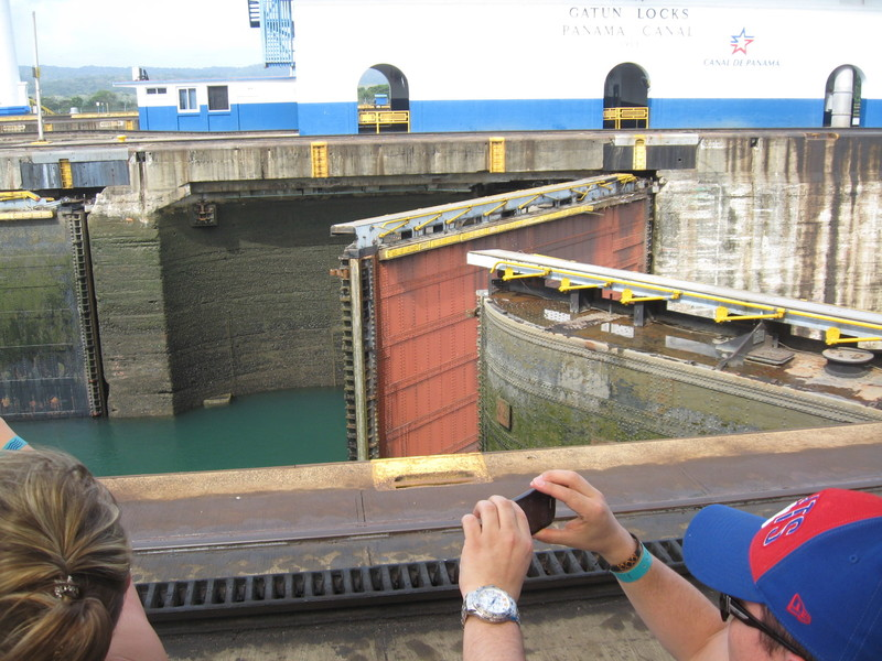 Gates closing, Gatun Locks - Coral Princess