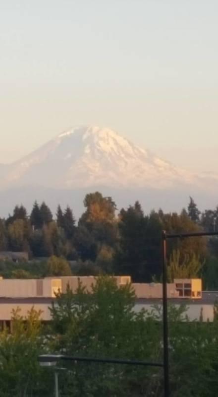 Seattle, Washington - Mt. Rainier at Dusk