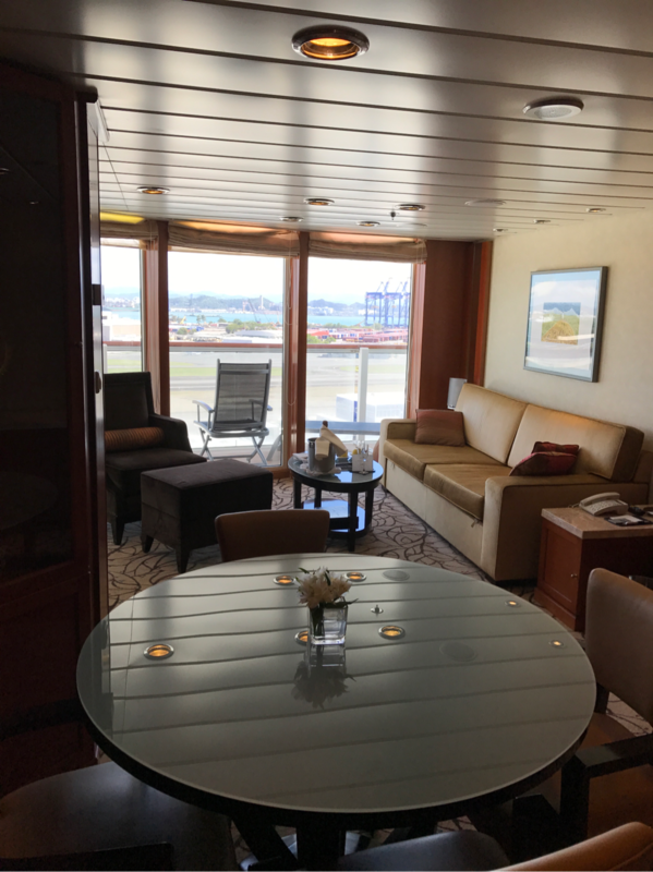Suite 9098 on Celebrity Infinity, Category C1