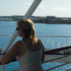 "King's Wharf, Bermuda - Aft ""obstructed"" view."