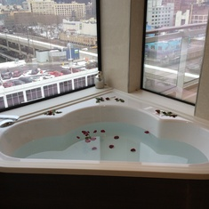 Hot tub in Haven suite