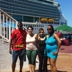 Coxen Hole, Roatan, Bay Islands, Honduras - nadine and Roxanne with us