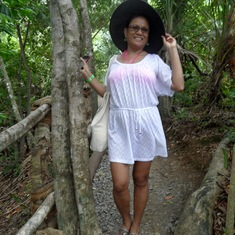 Mahogany Bay, Roatan, Bay Islands, Honduras - on the trail