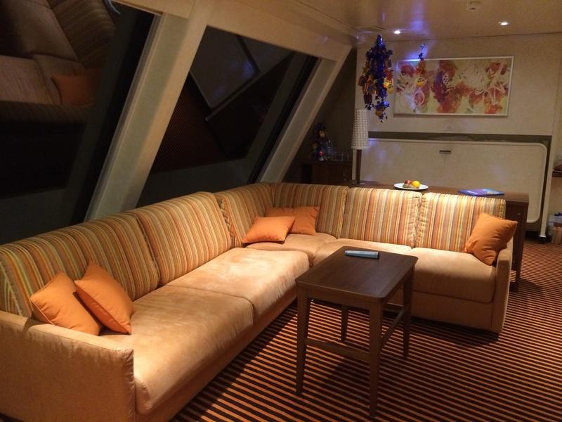 Captain's Suite, 9128 - Carnival Sunshine