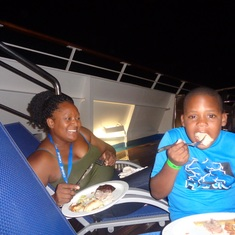 Basseterre, St. Kitts - Dinner at Dive-In-Movie