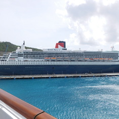 Philipsburg, St. Maarten - The Queen Mary 2