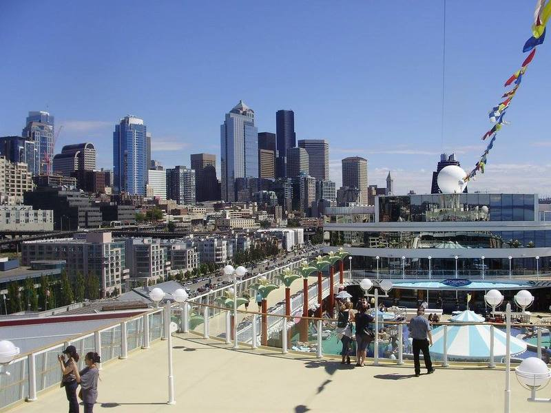 Seattle skyline - Norwegian Pearl