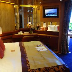 Pinnacle Suite Bedroom, cabin 7001