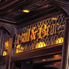 Bull & Bear English pub on Freedom of the Seas