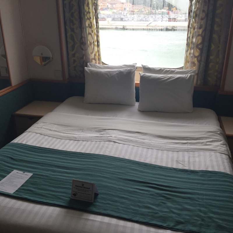 Large oceanview stateroom cabin category g2 rhapsody of for Rhapsody of the seas cabins deck 2