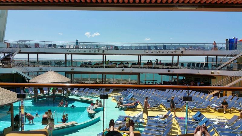 Carnival Magic, Pools, Beach Pool
