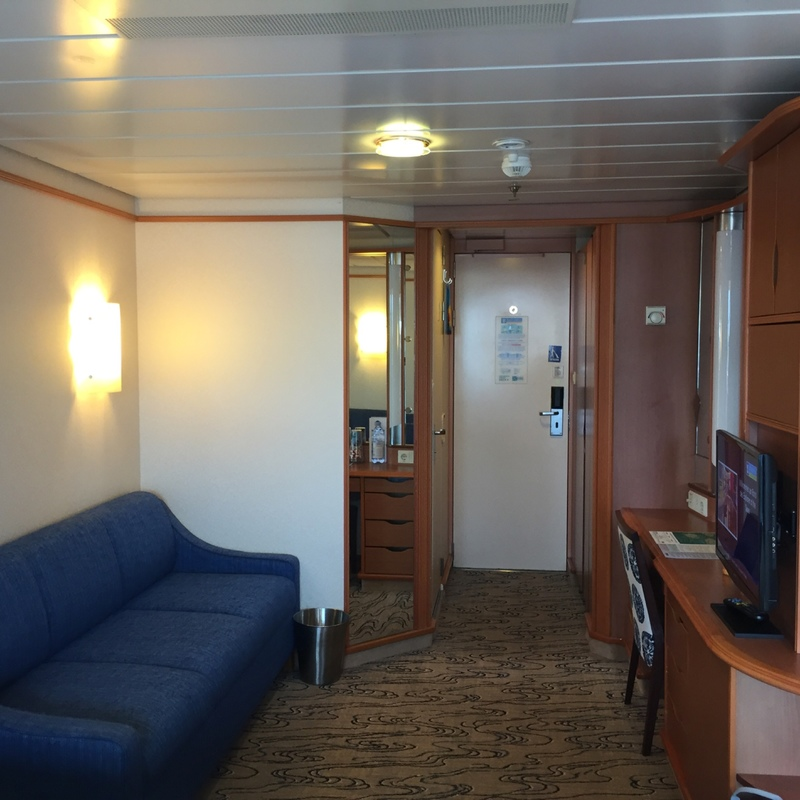 balcony cabin 9346 on explorer of the seas  category d2