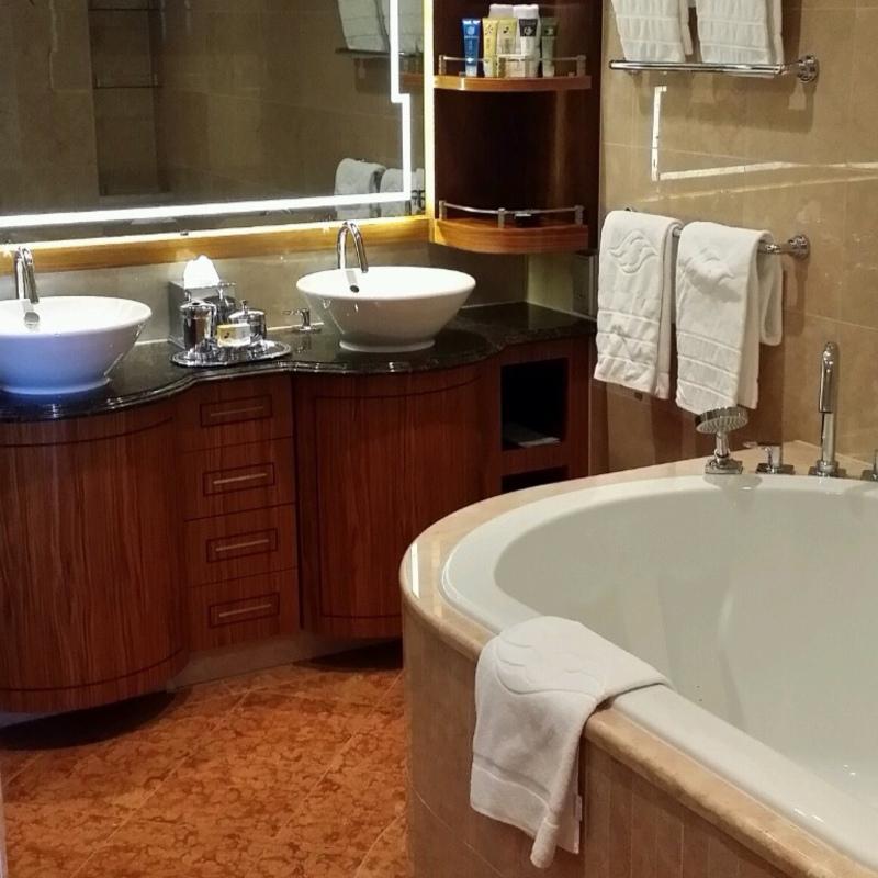 suite 8530 on disney magic category sr. Black Bedroom Furniture Sets. Home Design Ideas