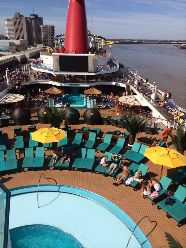 Carnival Sunshine, Pools, Serenity