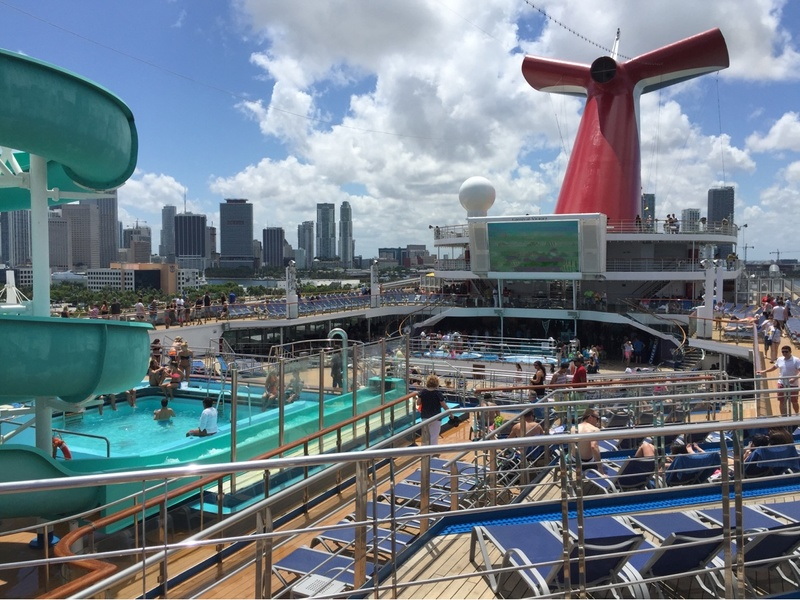 Carnival Victory, Entertainment, Carnival SeasideTheater