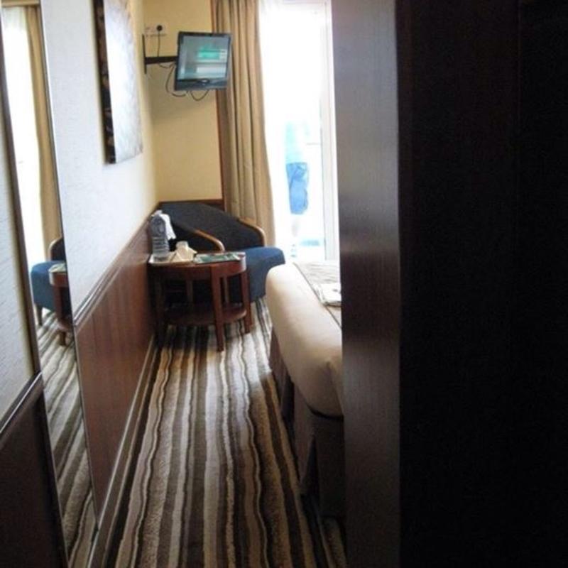 Pacific Pearl cabin 11095