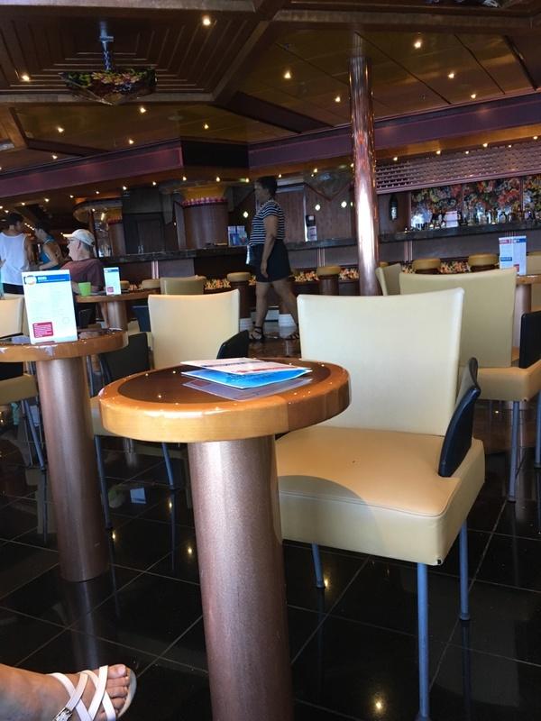 Cafe Ile De France on Carnival Paradise