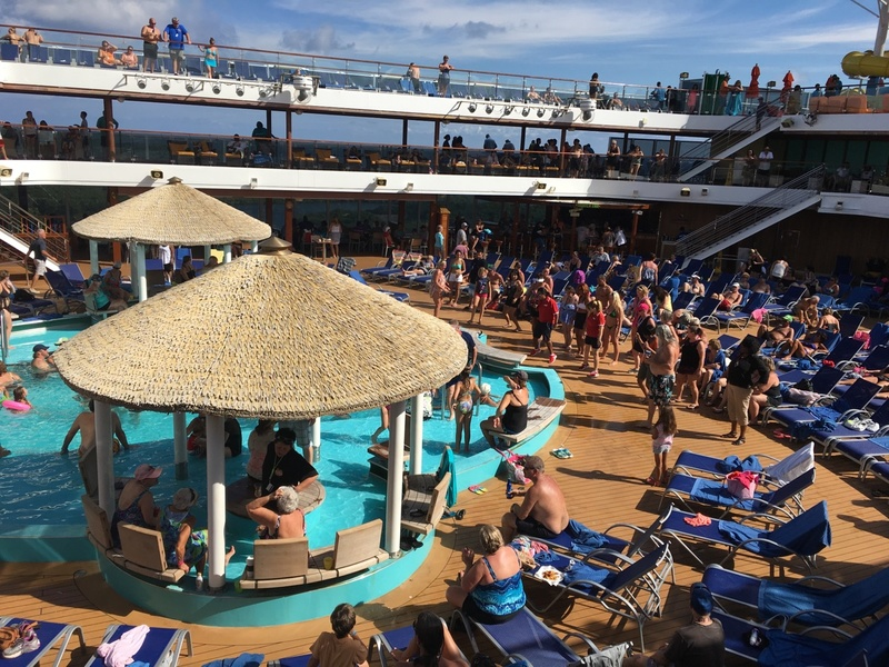 Bye Bye Isla Roatan Party - Carnival Magic