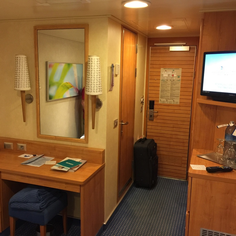 Carnival Breeze cabin 8242