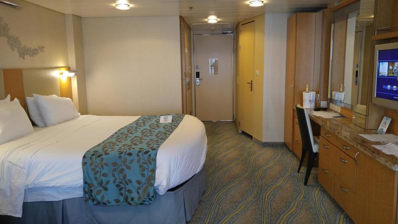 Suite 14626 on oasis of the seas category yu for Oasis of the seas cabin