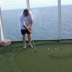 Dunes Mini Golf on Oasis of the Seas