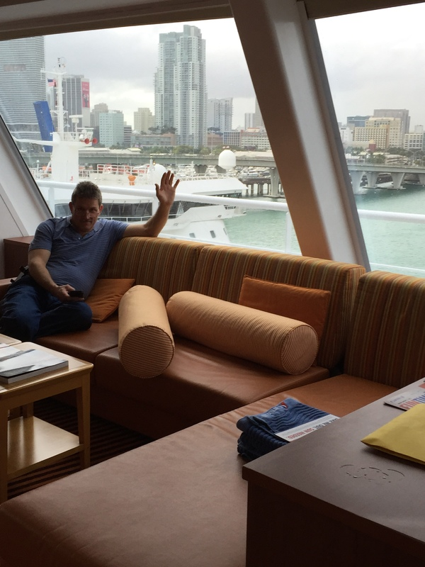 Suite 9202 On Carnival Conquest Category C1