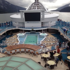 Neptune''s Reef and Pool on Golden Princess
