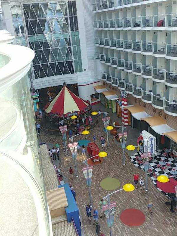 Balcony Cabin 11329 On Oasis Of The Seas, Category BV