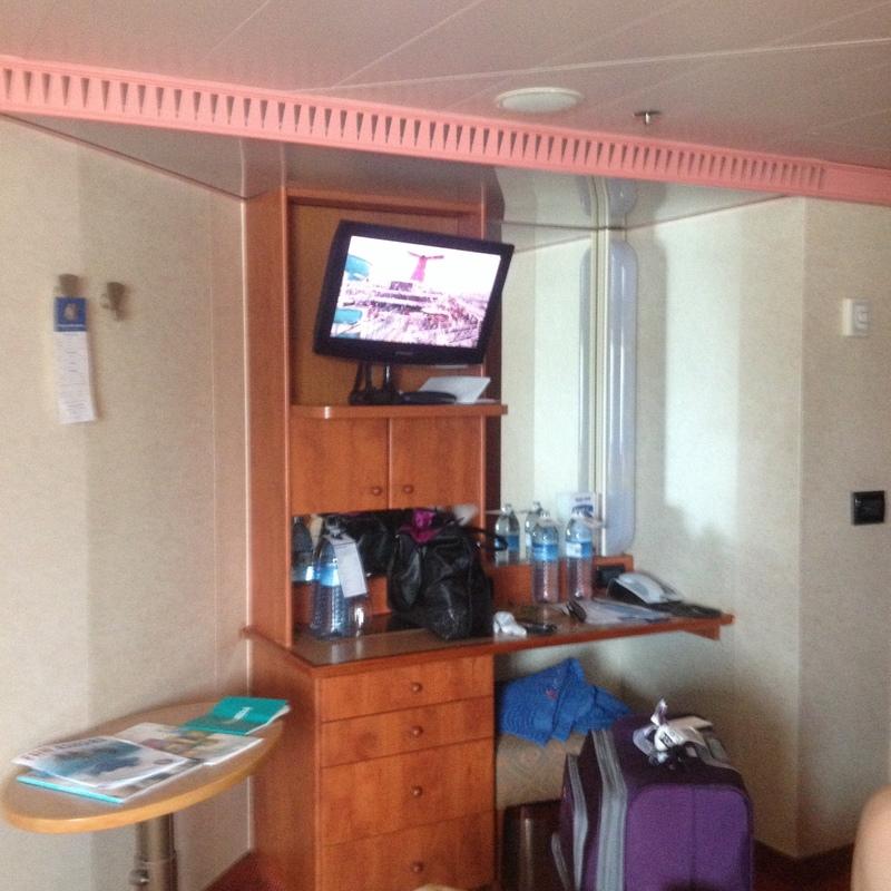 Carnival Glory cabin 2472